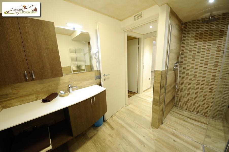 Appartamenti-Livigno-Alpen-Flower-Michele-Lake-Bagno-1