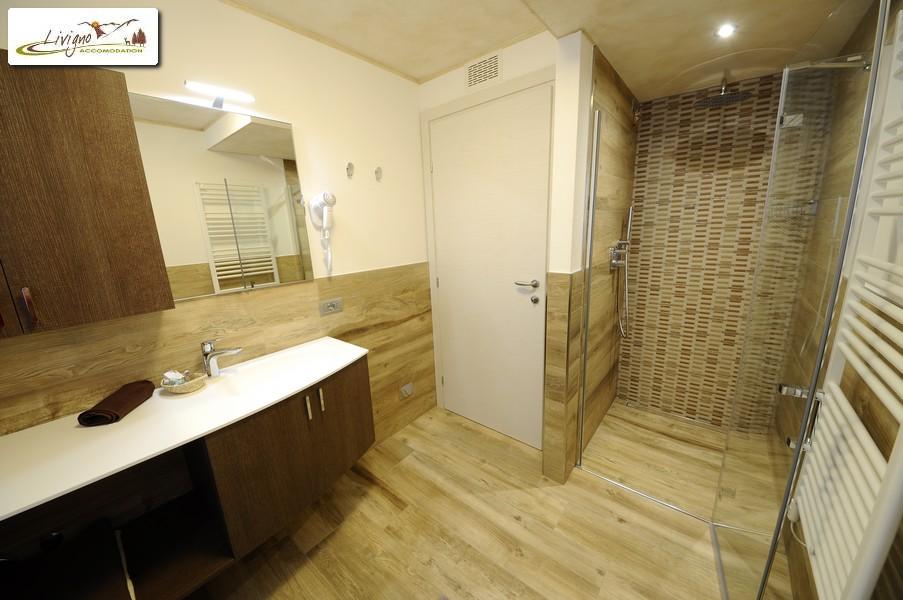 Appartamenti-Livigno-Alpen-Flower-Michele-Lake-Bagno-5