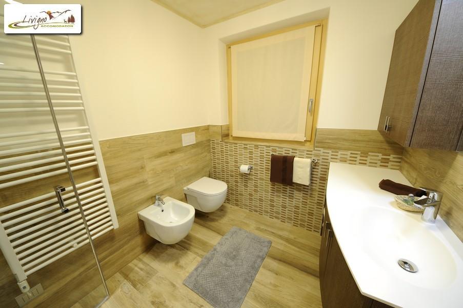 Appartamenti-Livigno-Alpen-Flower-Michele-Lake-Bagno-6